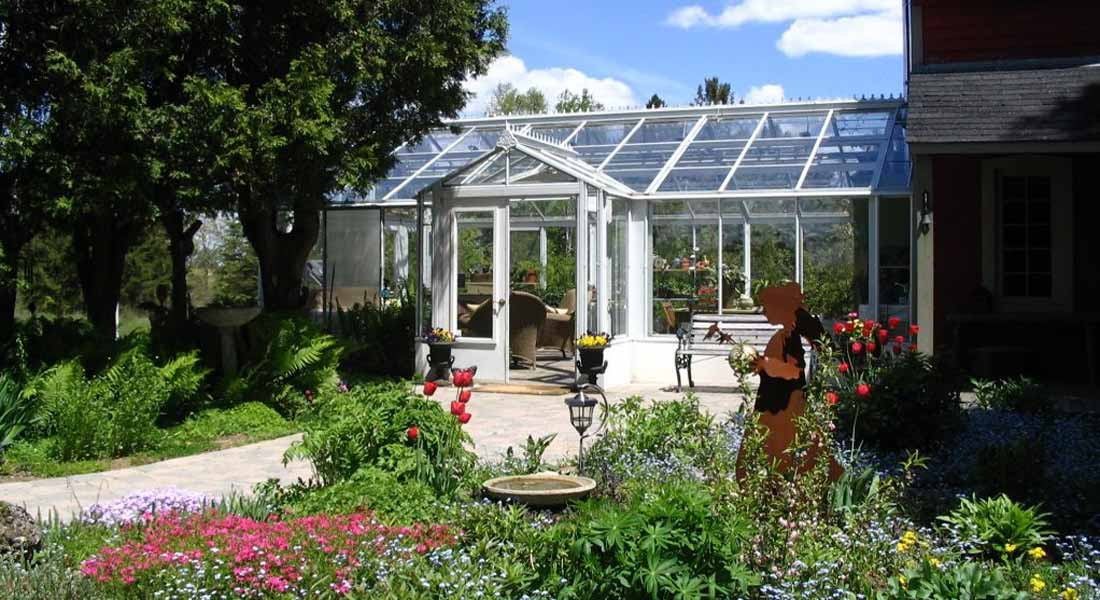 Greenhouse Manufacturers 101: Finding the Best among the Greens