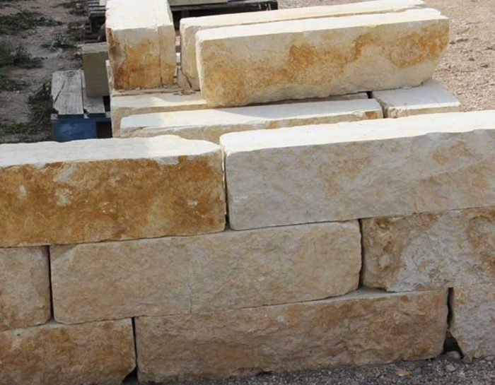 Choosing The Right Sized Limestone Blocks For Your Needs